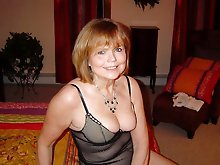 Awesome mature babe in ideal shape