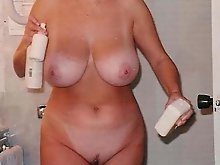 Amateur mature mommies showing their hot lines on pics