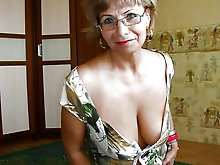 Fantastic older woman in a sex gallery