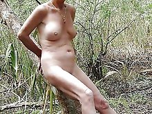 Gallant chick posing undressed in public